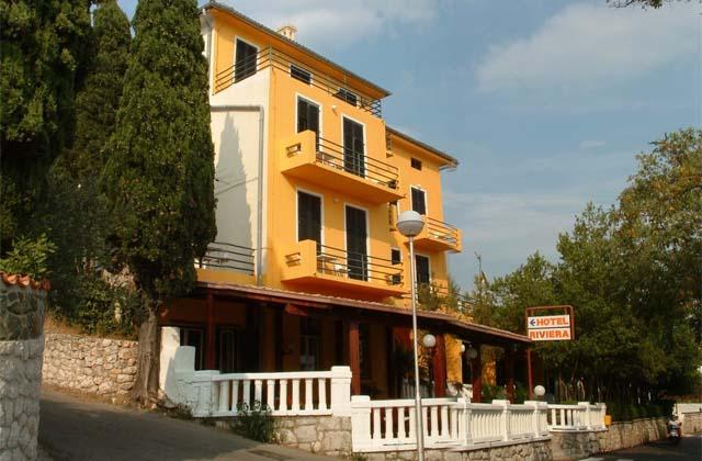 2 Отель «Ривьера» 3