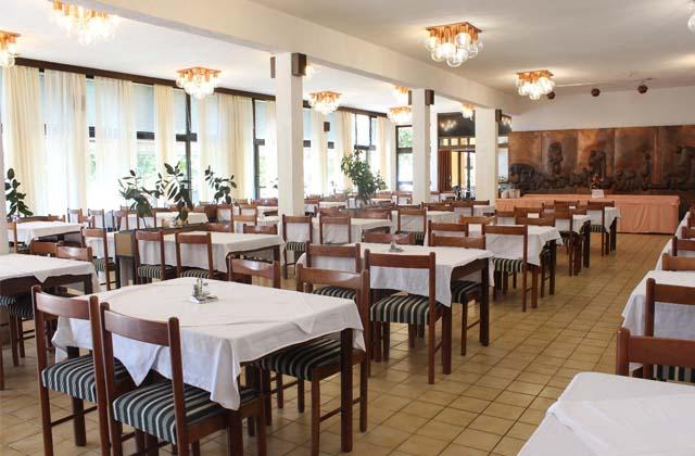 5 Отель «Ривьера» 3