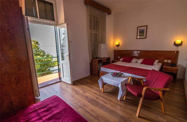 7 Отель «Ривьера» 3
