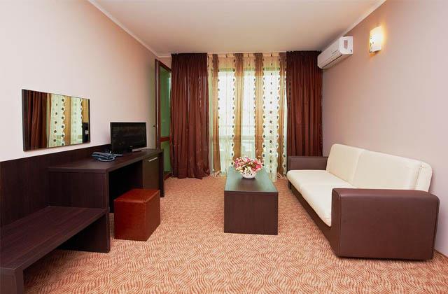 Отель «CENTRAL PLAZA» 3*