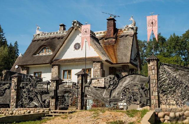 Парк Диприз, усадьба Литовка и Мирский замок